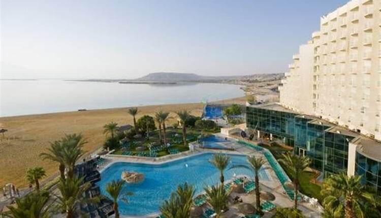 Leonardo - Club - Dead - Sea - Pool - 2